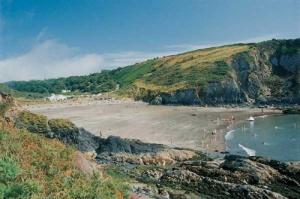 Pwllgwaeod beach
