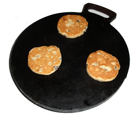 Planc with welsh cakes