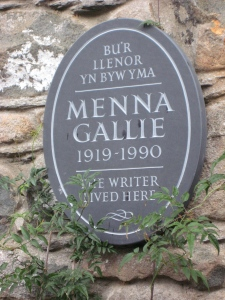 Menna Gallie plaque