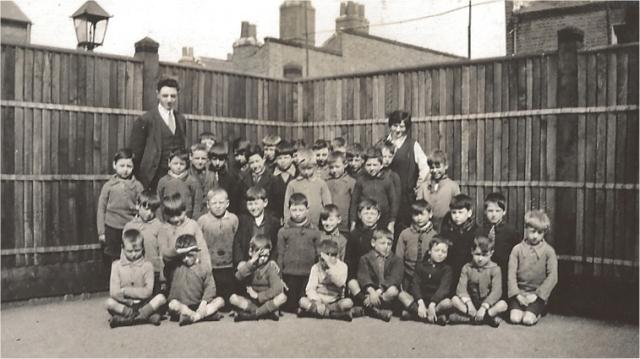 Union Street School Woolwich. Class 4
