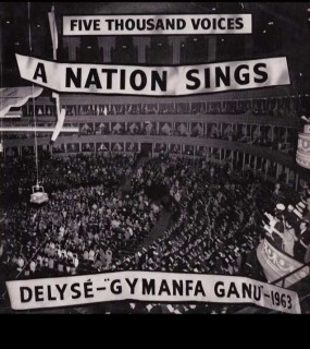 Five thousand voices - A nation sings